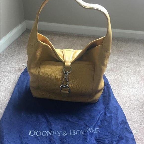 Dooney & Bourke Handbags - Dooney &Bourke medium loc sac